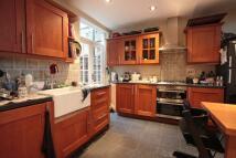 2 bedroom Flat in STEPHENDALE ROAD, London...