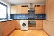 Apartment to rent in STREATHAM HIGH ROAD...