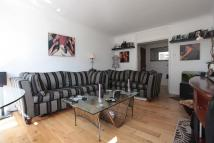 2 bed Apartment to rent in FAIRWAYS, Teddington...