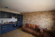 4 bed Flat to rent in Palace Road, London, SW2