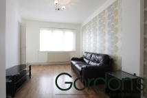 1 bed Flat to rent in Fox Hill, London, SE19