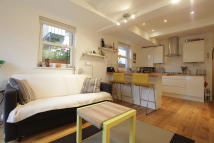 Flat to rent in Stambourne Way, London...