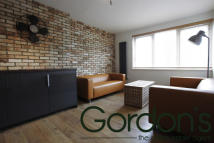 Flat in Challice Way, London, SW2