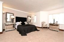 Flat to rent in St. Edmunds Terrace...