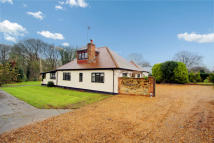 Detached property in Forest Green...