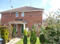 2 bed semi detached house to rent in The Dell, East Grinstead