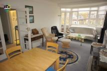 Apartment to rent in Belsize Avenue, London...