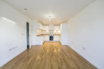 Apartment in White Horse Lane  E1