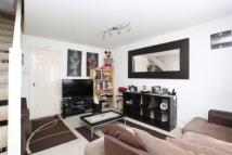 2 bedroom house to rent in Hanover Avenue, London...
