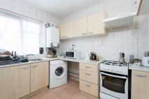 Flat in Arden Estate, London, N1