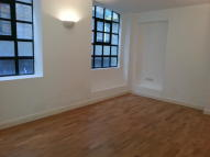 Flat to rent in FRENCH PLACE, London, E1