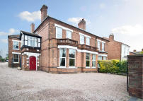 6 bed semi detached home for sale in Rainbow Hill, Worcester...