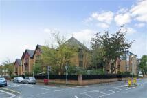Flat in Trinity Road, Wimbledon