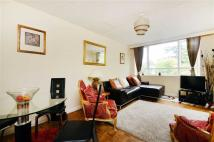 2 bed Flat to rent in Victoria Drive...