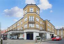 3 bed Flat to rent in Queenstown Road...
