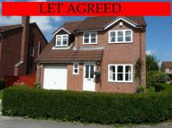 4 bed Detached house in 16 Broadmanor...