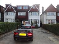 Studio apartment to rent in Golders Green Road...