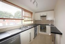 3 bedroom Town House to rent in LINKSWAY, London, NW4
