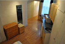 Studio flat to rent in Ravenscroft Road, London...