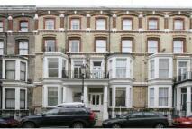 1 bed Studio apartment to rent in Cheniston Gardens...