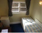 1 bed Studio flat in St. Stephens Gardens...