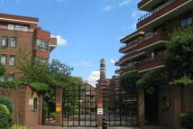 Flat in Windsor Way, London, W14