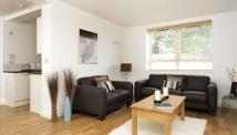 2 bed Apartment in Kew Bridge Court...