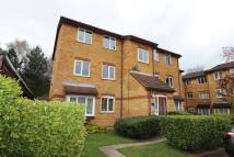 2 bed Flat to rent in Greenway Close Friern...