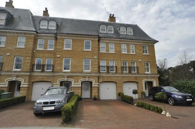5 Bedroom Town House For Sale In Langdon Park Teddington