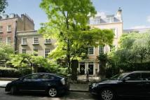 4 bed Terraced property in Kensington Square...