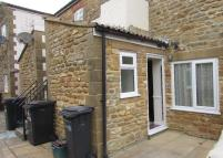 Ground Flat to rent in FOUNDRY MEWS...
