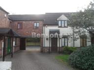 3 bedroom semi detached house to rent in Kew Gardens, Telford