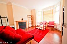 2 bed Flat in Cambridge Road, Ilford...