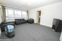 2 bedroom Flat in 29 Eastwood Road, Ilford...