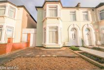 End of Terrace house for sale in Lansdowne Road, ILFORD...