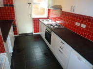 2 bed semi detached house to rent in Cheesemond Avenue...