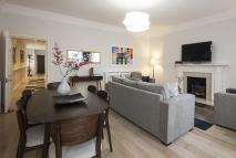 Flat to rent in Stratton Street...