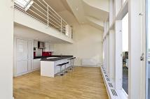 Flat to rent in Lexham Gardens...