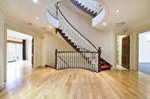 7 bed Detached property to rent in Lyndale Avenue...