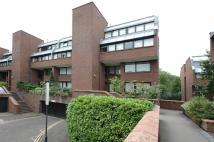 2 bed Flat in Chandos Way...