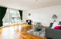 2 bedroom Apartment to rent in Balham Grove, London...