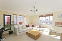 Flat in Rosethorn Close, London...