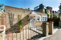 3 bedroom home in Criffel Avenue, London...