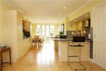 4 bed Terraced home in Balham High Road, London...