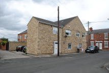 3 bedroom Flat to rent in South Street, Newbottle...