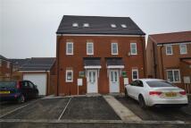 3 bedroom semi detached house in Rosebay Close...