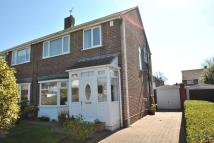 3 bedroom semi detached property in Warden Grove...