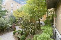 2 bedroom Flat to rent in Haydon Way, London