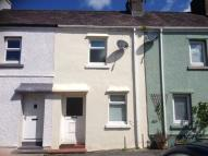Terraced house in 5 North Bank, Llandeilo...