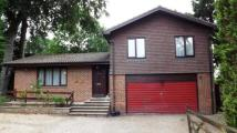 4 bedroom Detached house for sale in Sandhurst, Berkshire